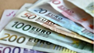 Covid-19: Bercy réinjecte 200 millions d'euros pour aider des petits commerces